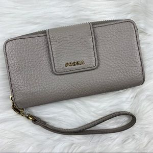 Fossil | Pebbled Leather Zip Wristlet Wallet